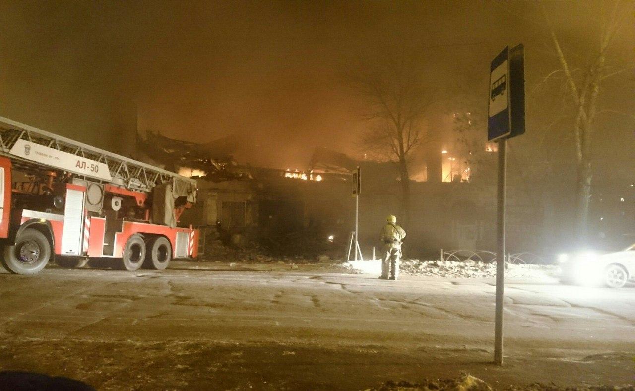 ВПерми пожар уничтожил строение спорткомплекса «Кама»