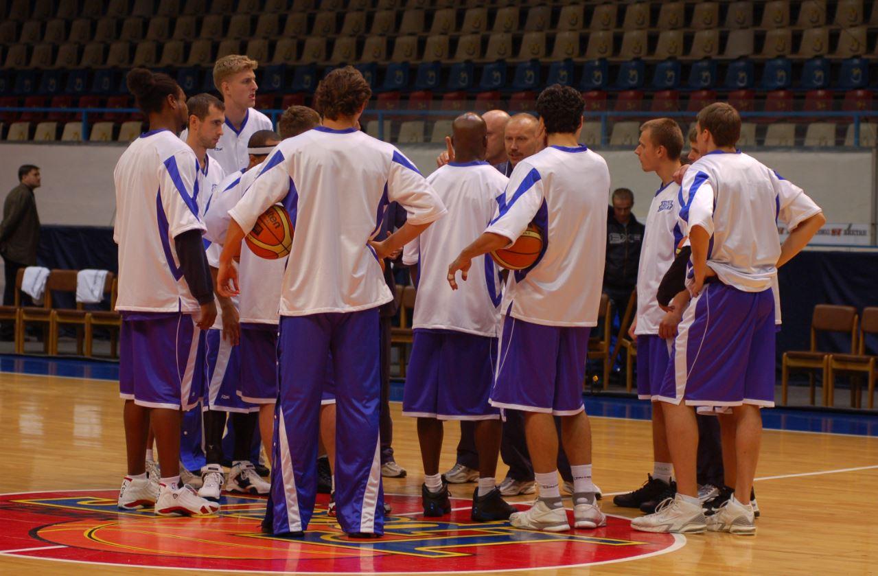 Баскетбольный клуб ЦСКА одержал победу стабильный чемпионат Единой лиги ВТБ