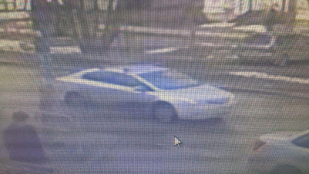 ВПерми неизвестный автомобиль сбил девушку