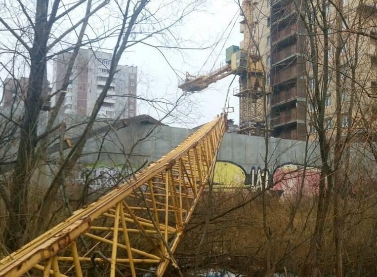 НаКуфонина вПерми обрушилась стрела строительного крана