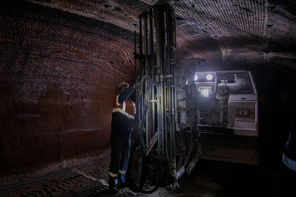 угольный бассейн занимающий 1 место по добыче все деньги в мире