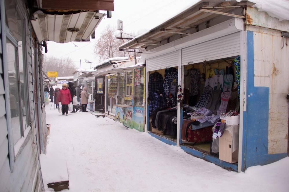 Перед Новым годом в центре Перми без разрешения установлены девять НТО